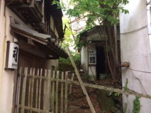 web制作のFREEMAKEの小旅行、廃屋